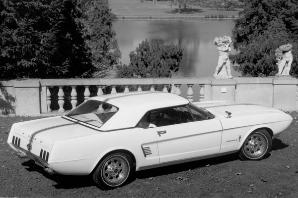 Ford Mustang-II-Concept-Car 1963