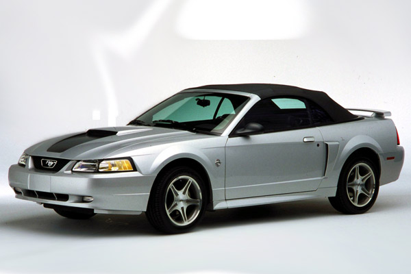 Ford Mustang 35 Aniversario 1999