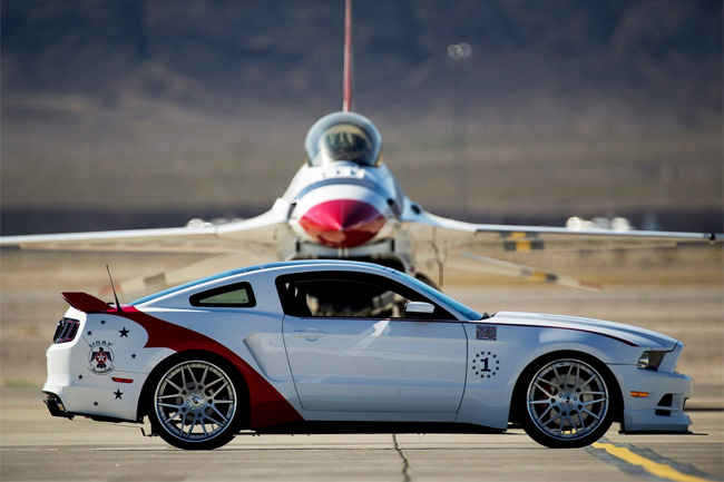 Ford Mustang GT US Air Force Thunderbirds Edition también entra en la historia