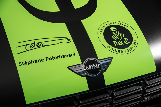 MINI-John-Cooper-Works-Countryman-ALL4-Dakar-Winner-2013-firma