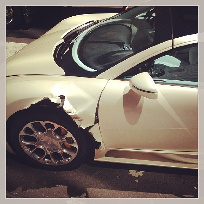 Bugatti Veyron accidente detalle
