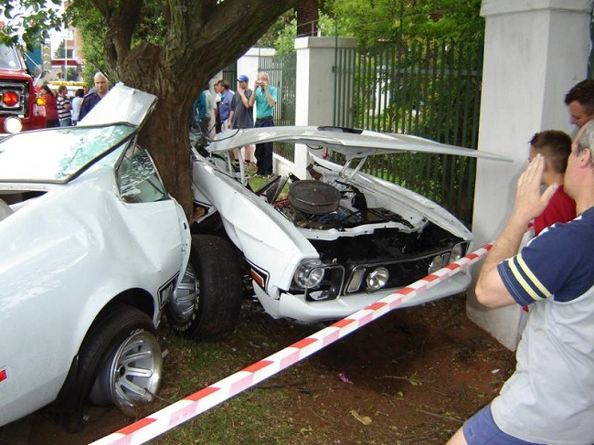 Ford Mustang Mach 1 accidente portada