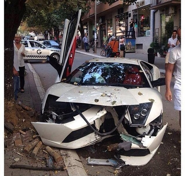 Lamborghini Murcielago accidente frontal 1