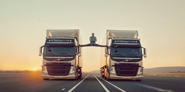 Van Damme en 'The Epic Split'
