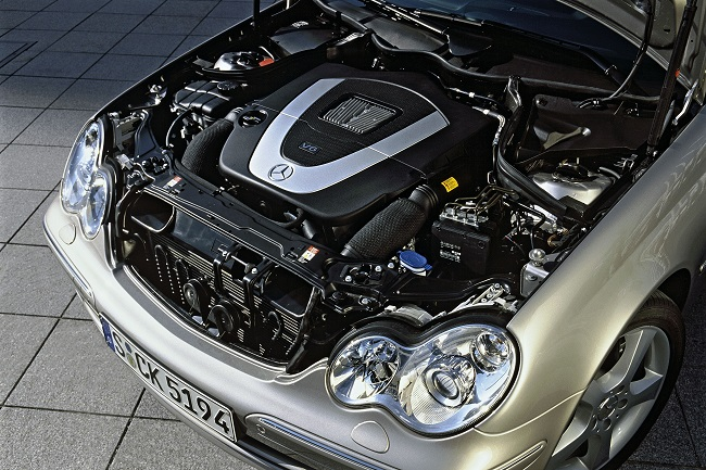 V-for-Victory-The-V6-engine-of-the-Mercedes-Benz-C-230.