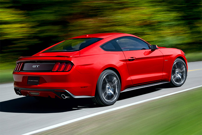historia-ford-mustang---ford-mustang-2014-trasera