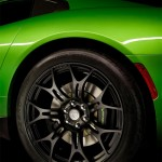 SRT-Viper-Stryker-Green-Color-llantas