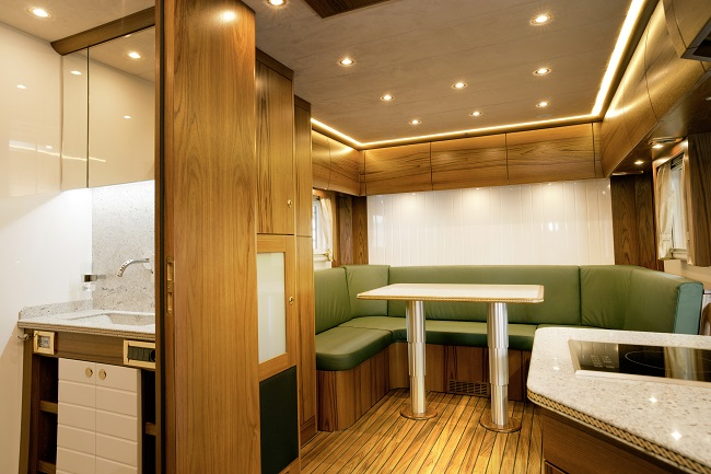 salon interior Mercedes Zetros 6x6