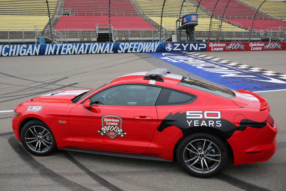 ford-mustang-pace-car-quicken-loans-400-nascar-sprint-cup