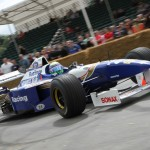 Massa recorre Goodwood en el Williams FW18 de Damon Hill