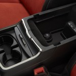 2015 Dodge Charger SRT Hellcat - center cupholders with center c