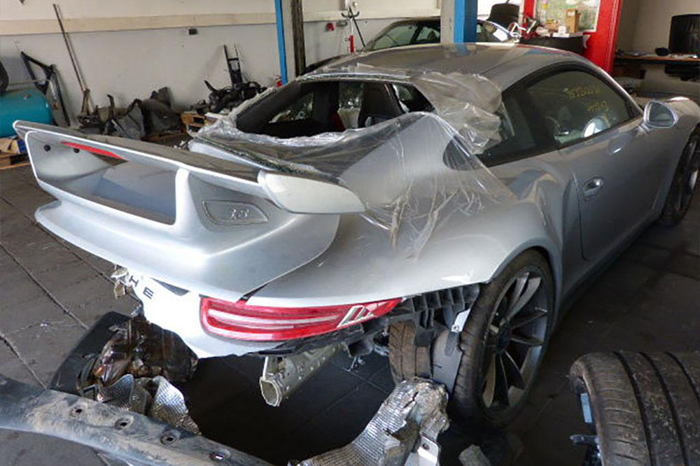 Sale A La Venta Un Porsche 911 GT3 Accidentado Por 49.900