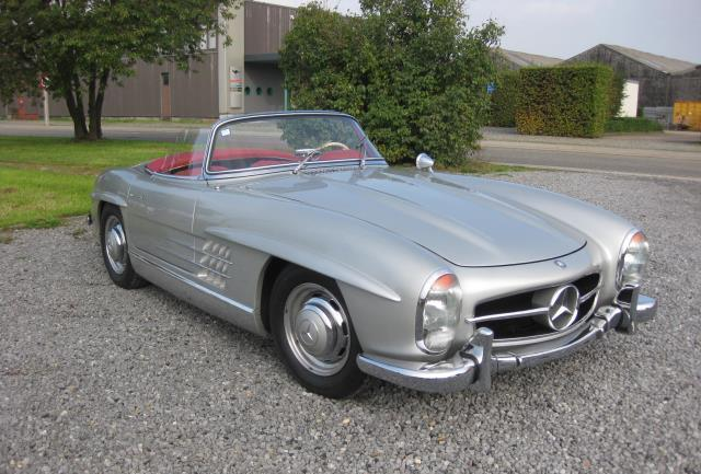 Mercedes-Benz 300 SL Roadster frontal lateral