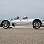 Mercedes-Benz-CLK-GTR-Roadster-lateral