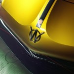 Willys AW 380 Berlinetta detalle marca frontal