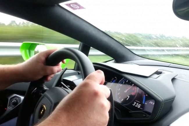 336-kmh-lamborghini-huracan-accidente-interior
