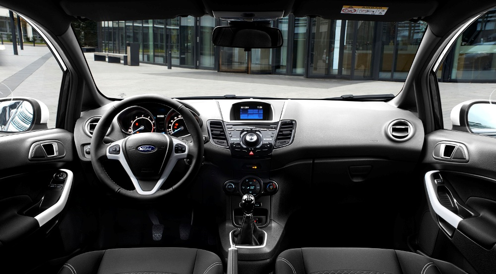 ford-fiesta-ford-ka-black-white-edition-fiesta-interior