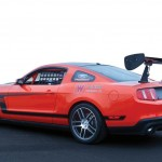 ford-racing-anuncia-misterioso-mustang-modificado-mustang-boss-302s-trasera