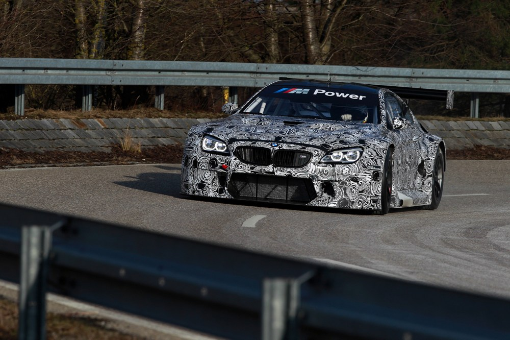 bmw-m6-gt3-circuito-2