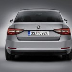 zaga Skoda Superb 2015