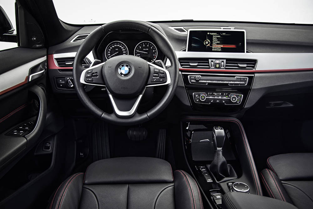 Interior bmw x1 2015 2 periodismo del motor for 2015 mustang interior dimensions