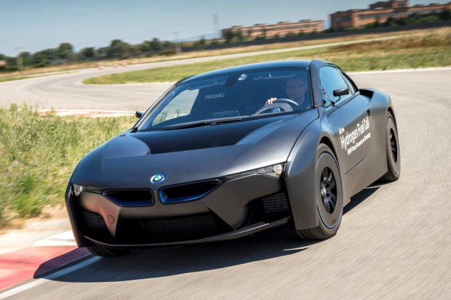 BMW-i8-Hydrogen-Fuel-Cell-Concept (2)