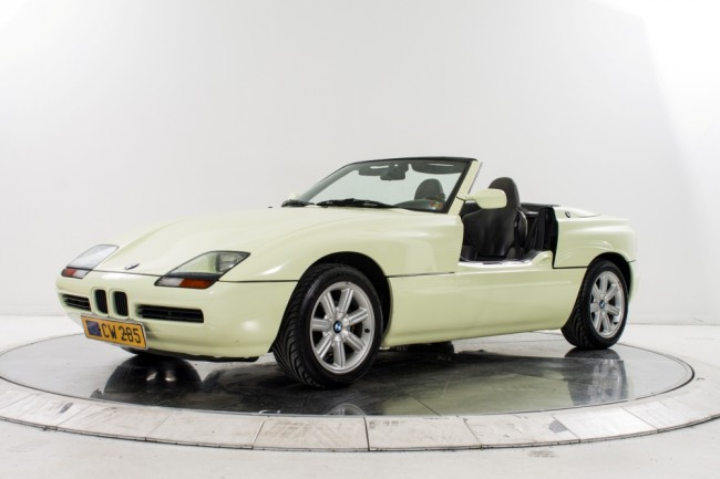 este bmw z1 de 1990 se encuentra a la venta periodismo del motor. Black Bedroom Furniture Sets. Home Design Ideas