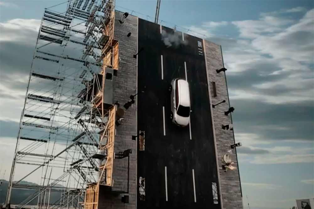 crash-test-vertical-kia-carnival-2015