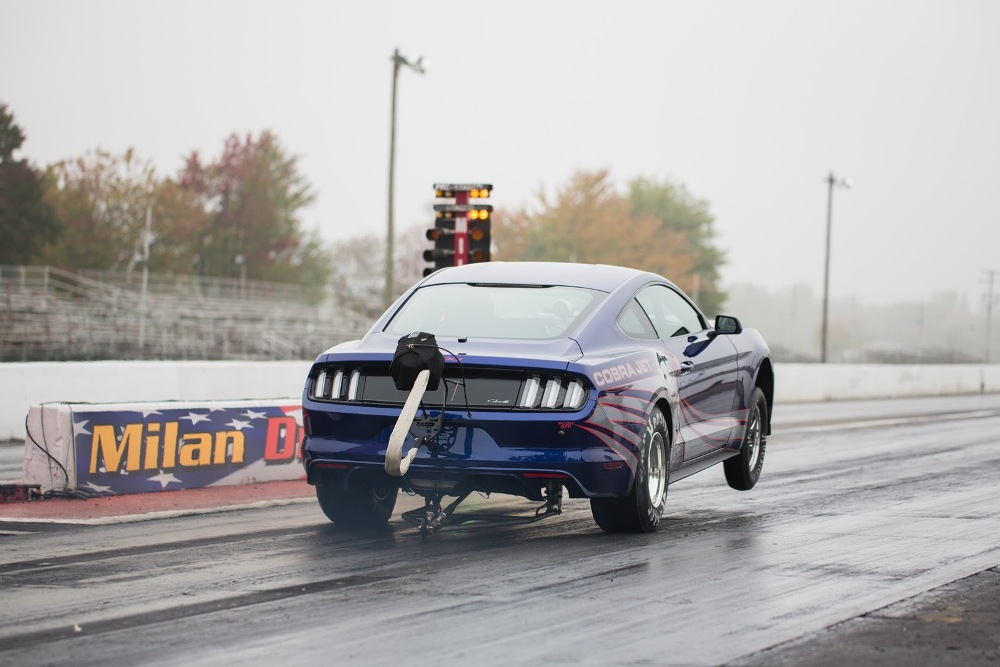 Ford Mustang Cobra Jet 2016 drag race