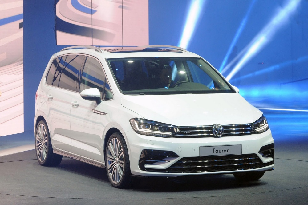 volkswagen touran r line 2015 deportivo y familiar periodismo del motor. Black Bedroom Furniture Sets. Home Design Ideas