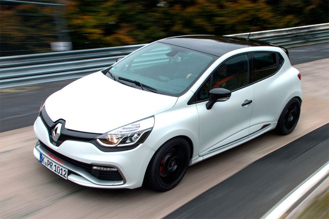 renault-clio-rs-220-trophy-record-nurburgring