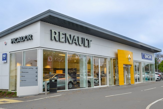 renault-revisar-15000-coches