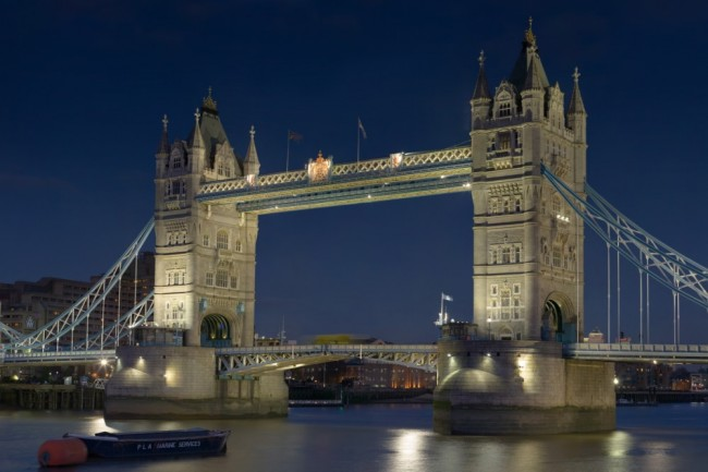 tower-bridge-londres-top-gear (1)