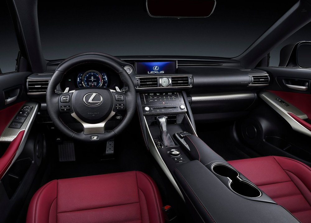 Lexus IS 2016 (10)