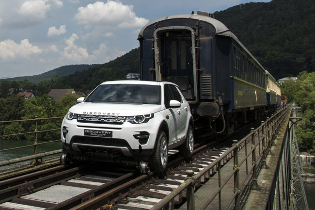 Land Rover Discovery Sport remolca tren (1)