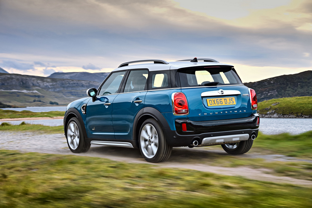 mini-countryman-2017-12