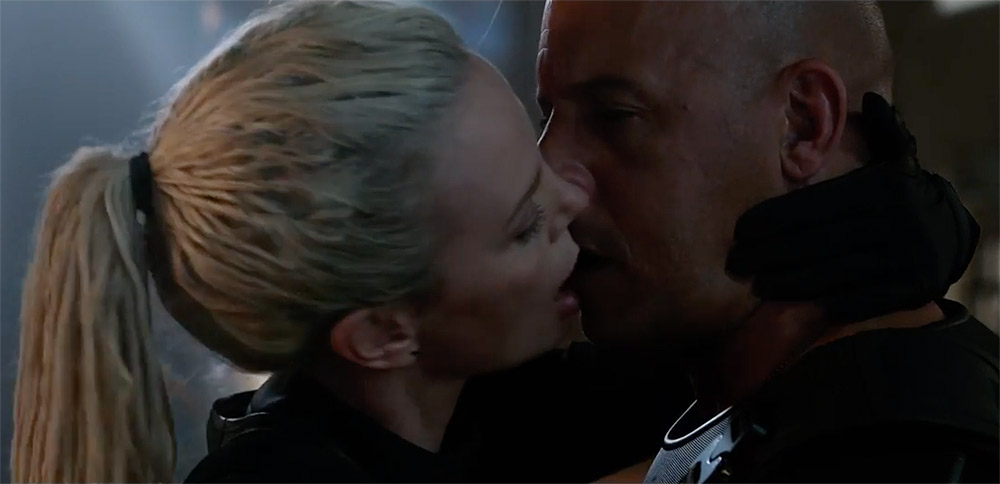 Beso de Charlize Theron y Vin Diesel en The Fate of the Furious