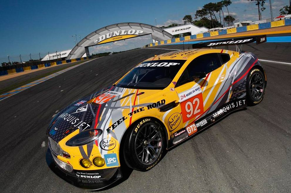 Aston Martin Vantage Dunlop Art Car decorado por Thierry Bertrand