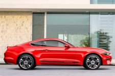 Ford Mustang 2018 Pony Package lateral