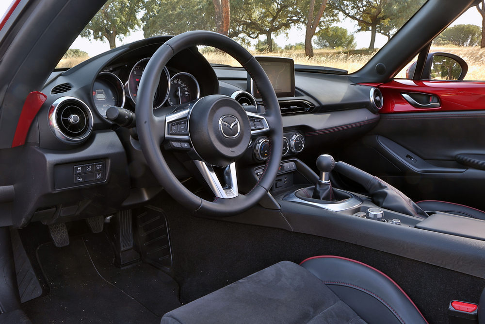 interior Mazda MX-5 Retractable Fastback