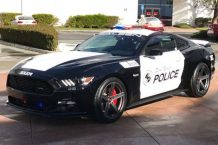 Saleen Ford Mustang S302 Policía Seal Beach