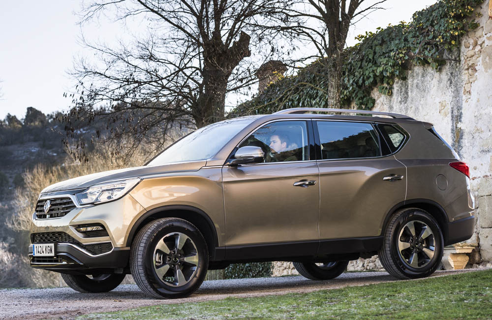 SsangYong Rexton 2018 lateral