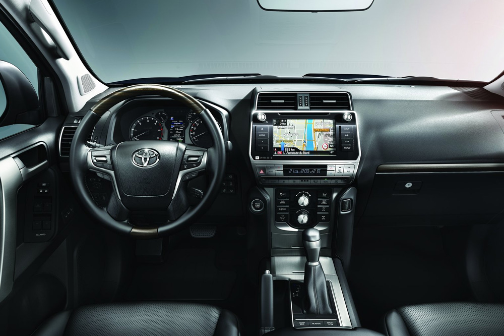 Toyota Land Cruiser 2018 interior