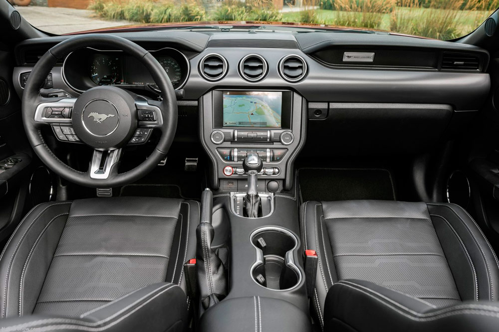 interior-ford-mustang-2018 - Periodismo del Motor
