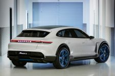 Porsche Mission E Cross Turismo 1