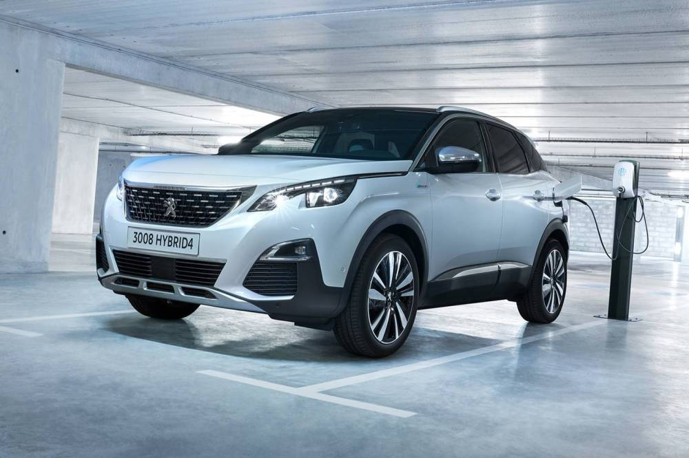 peugeot 3008 hybrid4 2019 con tracci n total y 300 cv. Black Bedroom Furniture Sets. Home Design Ideas