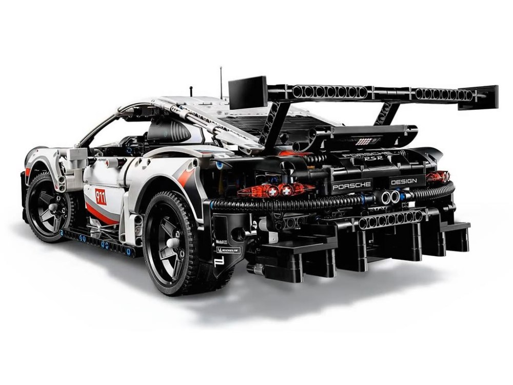 el porsche 911 rsr de lego technic llega el 1 de enero. Black Bedroom Furniture Sets. Home Design Ideas