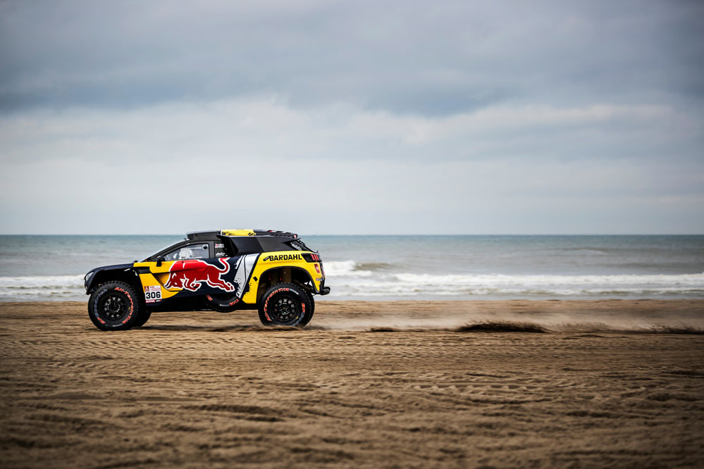 s bastien loeb presenta su coche para el dakar 2019 periodismo del motor. Black Bedroom Furniture Sets. Home Design Ideas