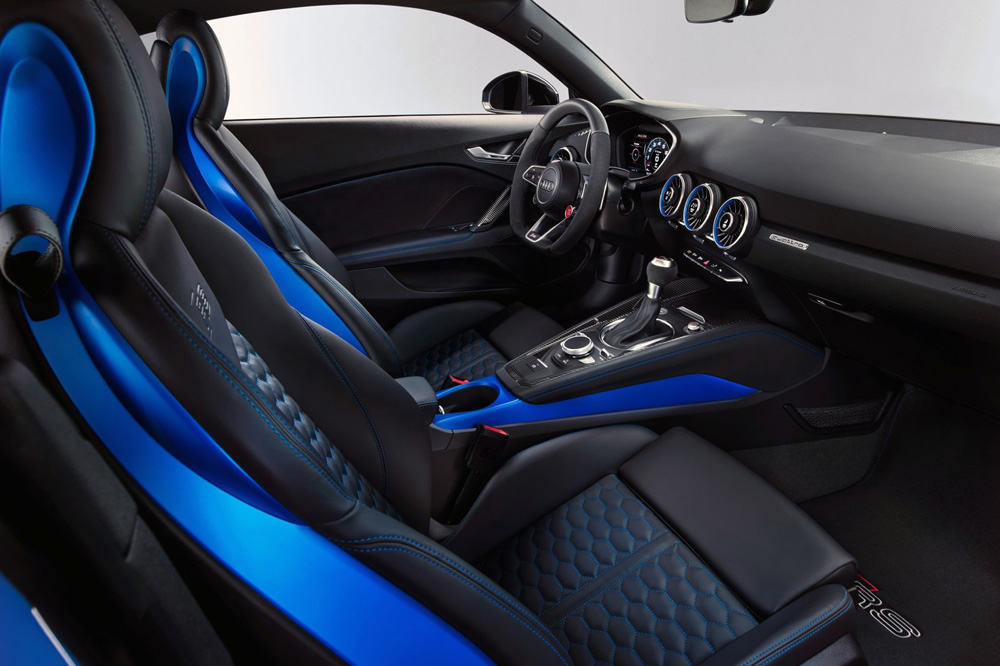 Audi TT RS Coupé 2019 interior