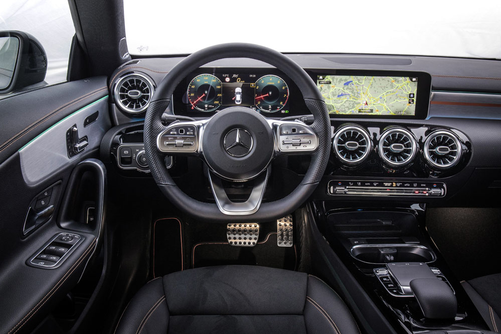 interior Mercedes CLA Coupé 2019